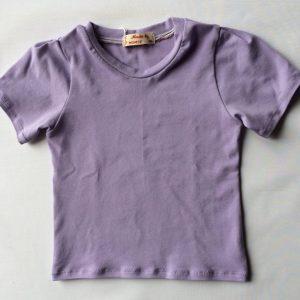 Jersey-bluse-syrenlilla-med-lille-pufarm-oeko-tex-bomuld-elastan