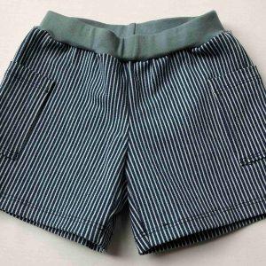 Shorts-med-maelkedrengsstribe-bomuld-med-stretch
