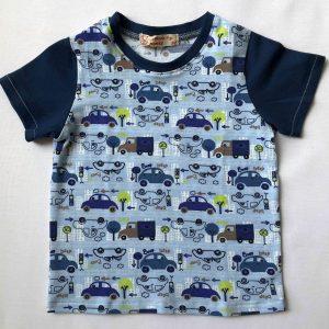 Lyseblaa-t-shirt-med-biler-oeko-tex-bomuld-elastan