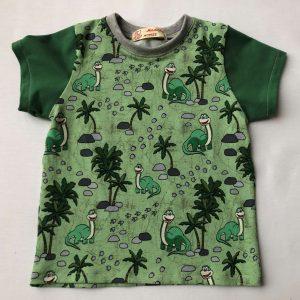 T-shirt-med-dinosaure-goen-oeko-tex-95-proc.-bomuld-5-proc.- elastan