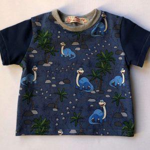 T-shirt-med-korte-aermer-blaa-med-dinos-oeko-tex-95-proc.-bomuld-5-proc.-elastan