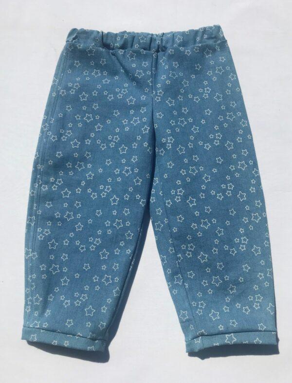 Denimbuks-med-stjerner-lyseblaa-oeko-tex-bomuld-med-stretch