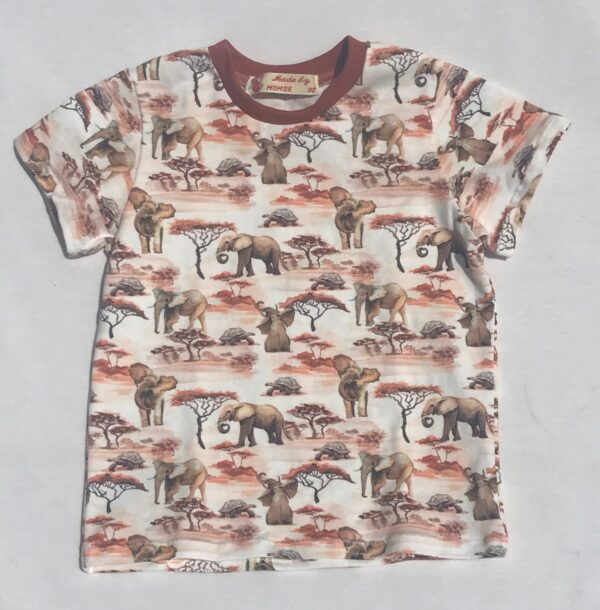 T-shirt-med-elefant-safari-creme-oeko-tex-bomuld-elastan-95-5.