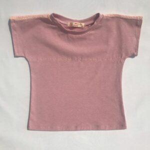 Sommertop-rosa-med-mellemvaerk-og-broderi-oeko-tex-bom-pes-elastan